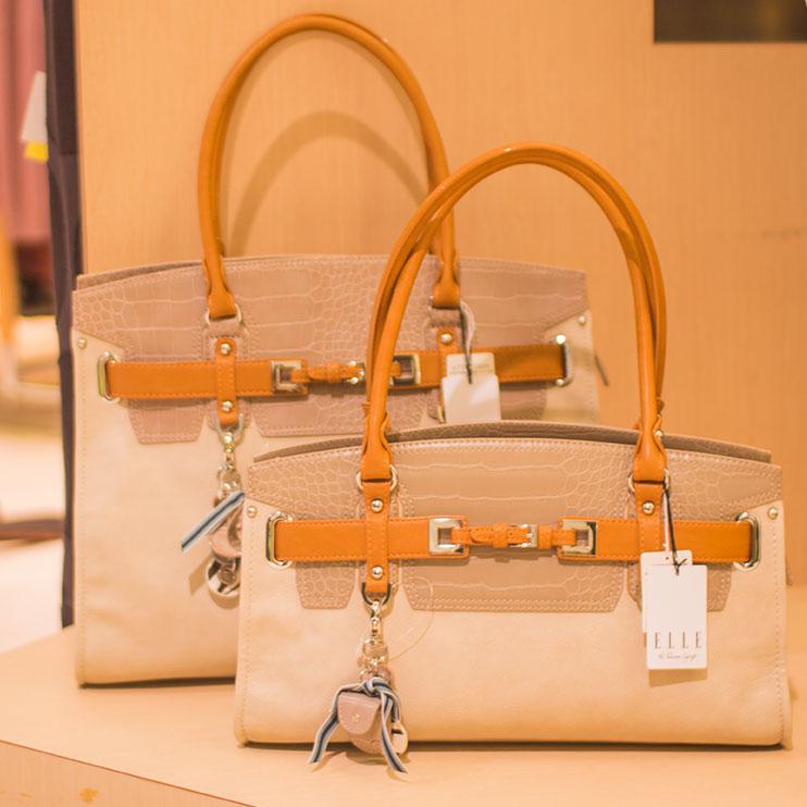 ELLEの人気シリーズのバッグが入荷しました.