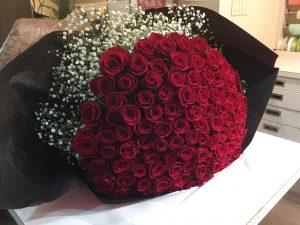 ❁赤バラ100本の花束❁